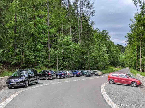 Parkplatz für Klettersteige bei Wolkenstein