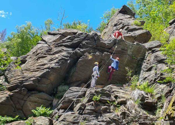 Überhang am Ausstieg des Yeti in Wolkenstein