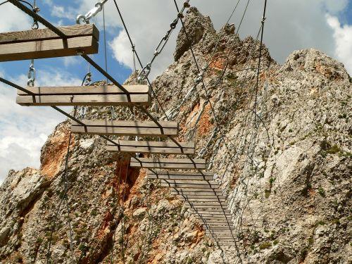 klettersteig_oetk-steig_koschutnikturm_haengebruecke