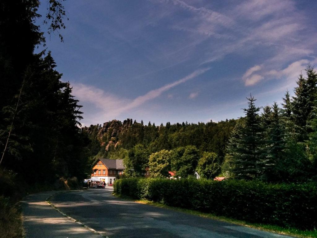 Foto: Blick auf den Nonnenfelsen in Jonsdorf in Sachsen