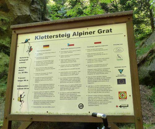 klettersteig-alpiner-grat-hinweisschild-sicherheitshinweise-500