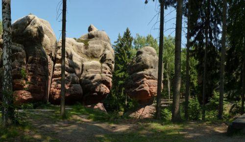 klettersteig-alpiner-grat-kelchstein-rote-felsen-pilzform-500