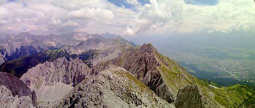 Innsbrucker Klettersteig Teil eins-der Blick zum Hafelkar