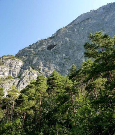 Blick zur Grotte an der Martinswand