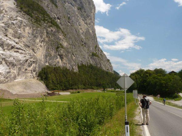 Die Martinswand und die Grotte