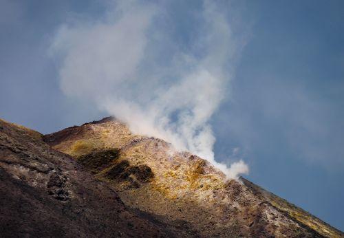 Aktiver Vulkan Ätna auf Sizilien