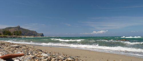 Strand an der Nordküste von Sizilien