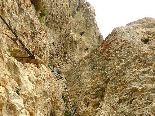 Seilführung auf dem Klettersteig Giulio Segata im ersten Teil