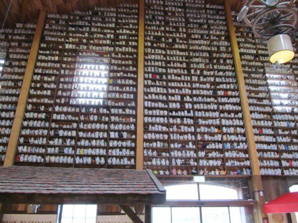 Die größte Kaffeekannensammlung der Welt in Karls Erlebnis-Dorf