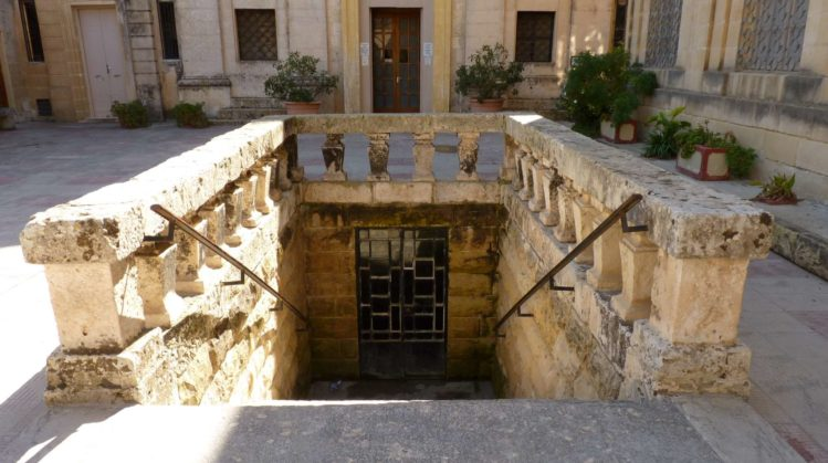 Eingang St Agathas Katakomben