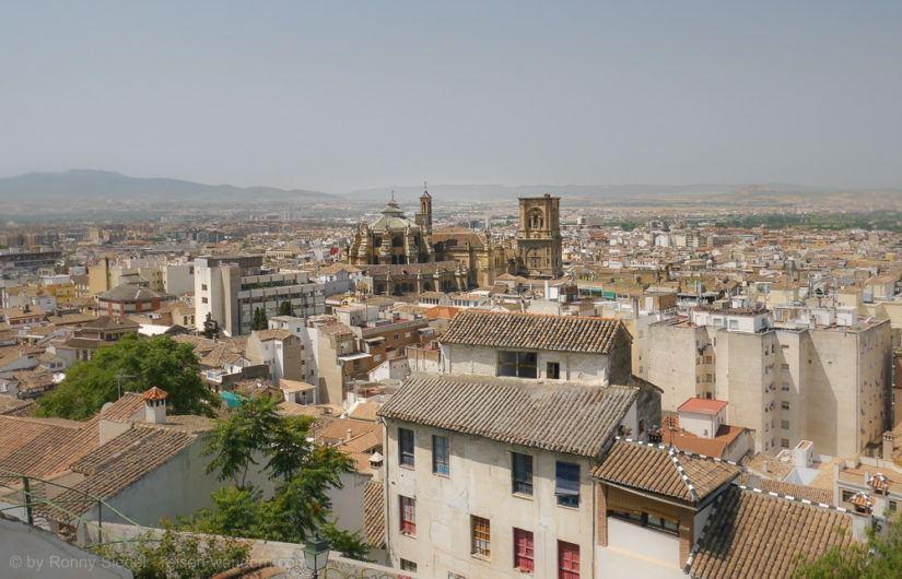 Blick über Granada mit der Kathedrale