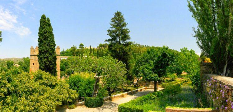 Ein Teil der Parkanlage in der Alhambra