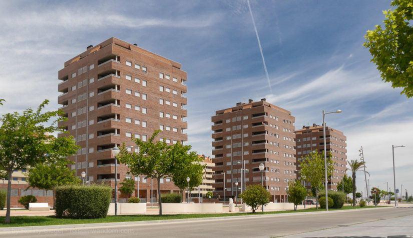 Leerstehende Wohnhäuser in der Residencial Francisco Hernando