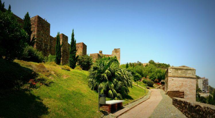 Außenbereich des Alcazaba in Malaga