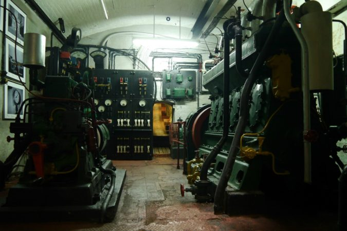 Maschinenraum einer Kanonenstellung auf Gibraltar