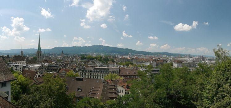 Blick auf die Züricher Altstadt von der ETH Zürich