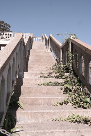 Spuren der Verwitterung auf der Gefängnisinsel Alcatraz