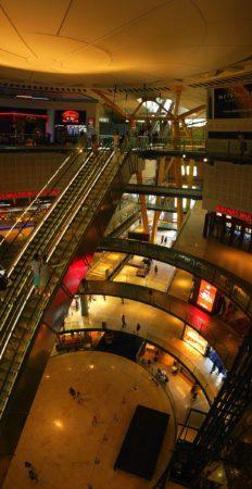 Rolltreppe im Inneren der Arenas de Barcelona