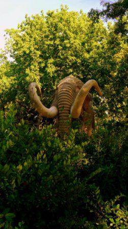 Mammut von Miquel Dalmau im Parc de la Ciutadella