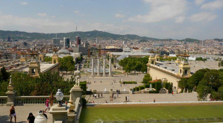 Font Magica de Montjuic mit Arenas de Barcelona