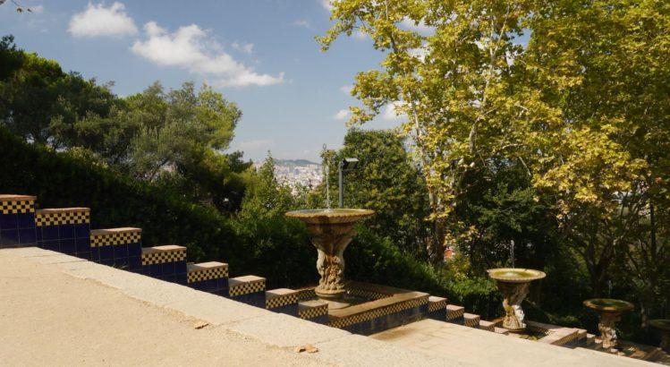 Passeig de Jean Forestier am Font Magica in Barcelona