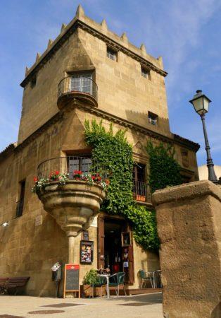 Haus im maurischen Stil im Poble Espanyol in Barcelona