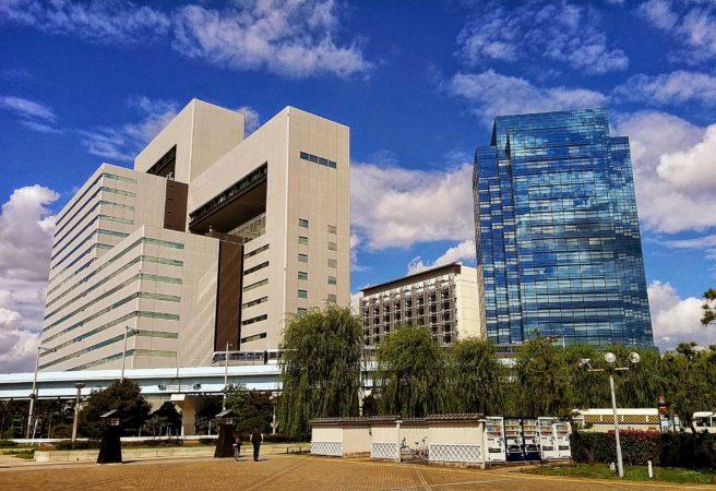 Moderne Hochhäuser beim Telecom Center in Odaiba in Tokio