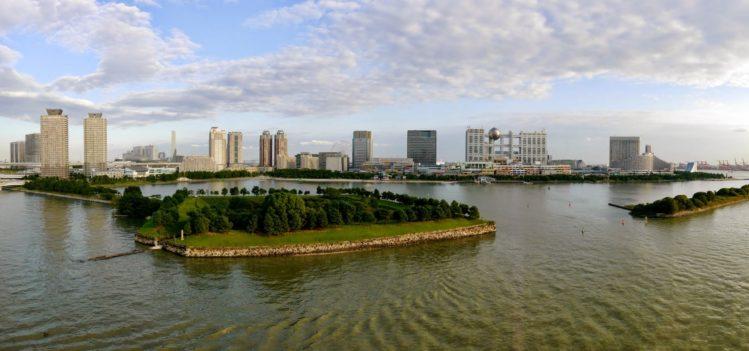 Panorama von Odaiba in Tokio mit dem Fuji TV Hauptquartier