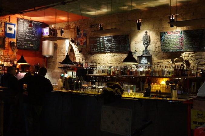 Bar im Szimpla