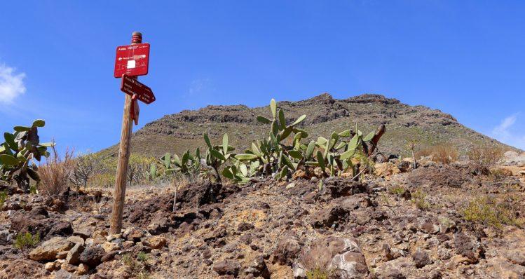 Wegweiser zum Roque del Conde