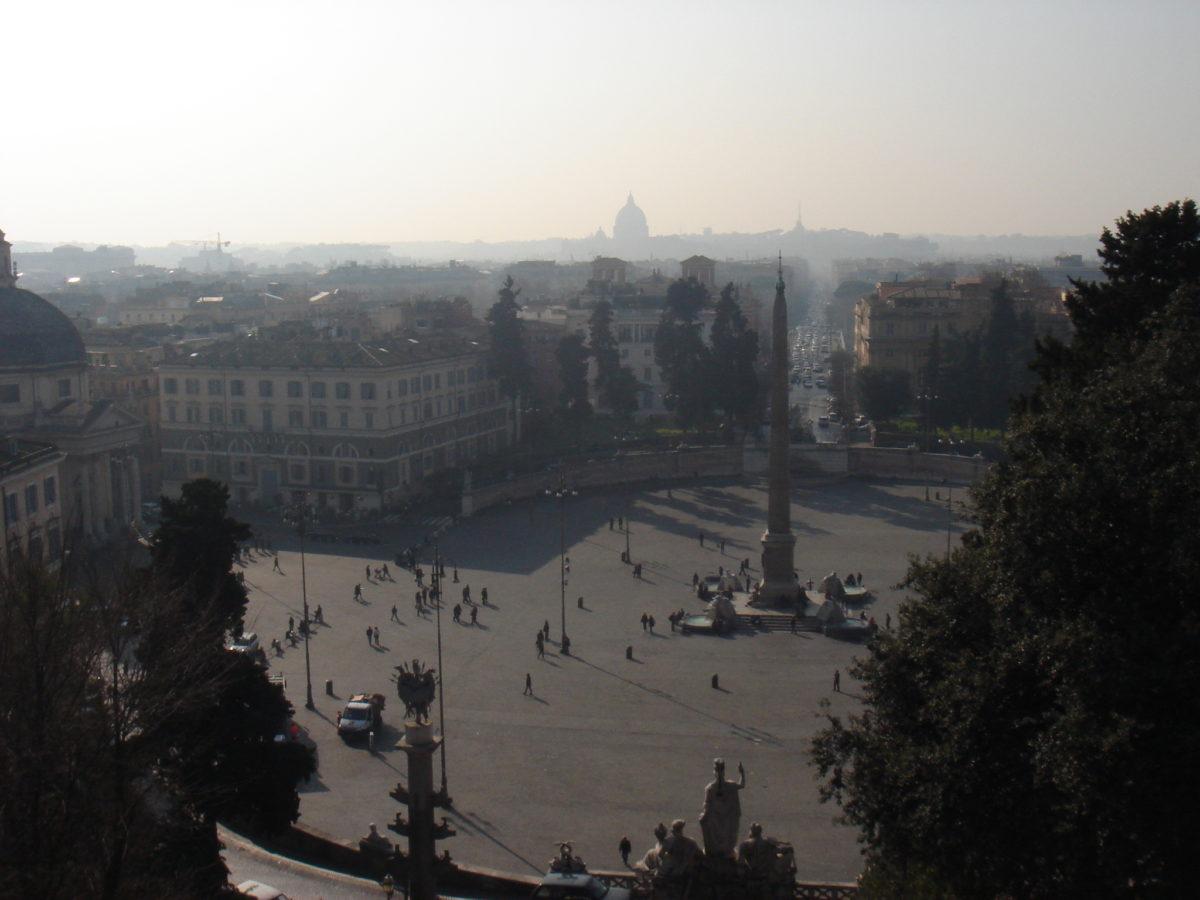 Blick von oben auf den Piazza del Popolo