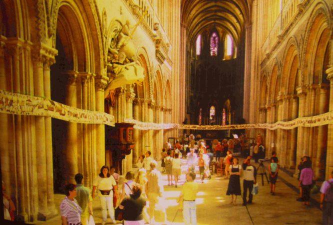 Teppich von Bayeux in Kathedrale
