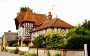 Altes Haus in Beuvron-en-Auge in Frankreich