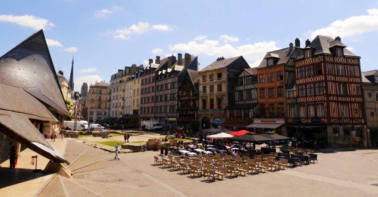 Place du Vieux-Marché mit den Ausgrabungen der Kirche Saint-Sauveur in Rouen