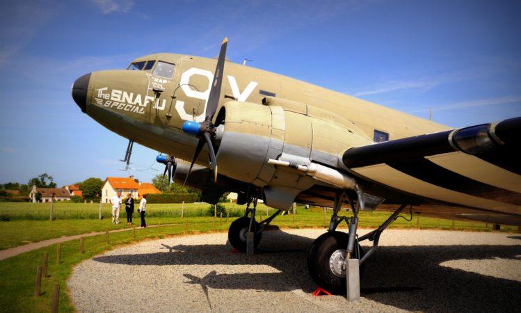 Flugzeug Douglas C-47