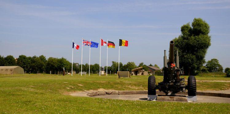 Haubitze aus dem 2. Weltkrieg in der Artilleriebatterie von Merville