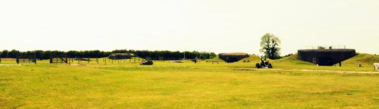 Panorama mit Bunker von der Artilleriebatterie von Merville