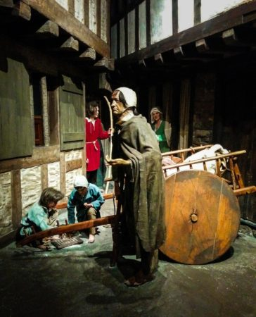 Nachbau einer Gasse im mittelalterlischen Dublin im Museum Dubli