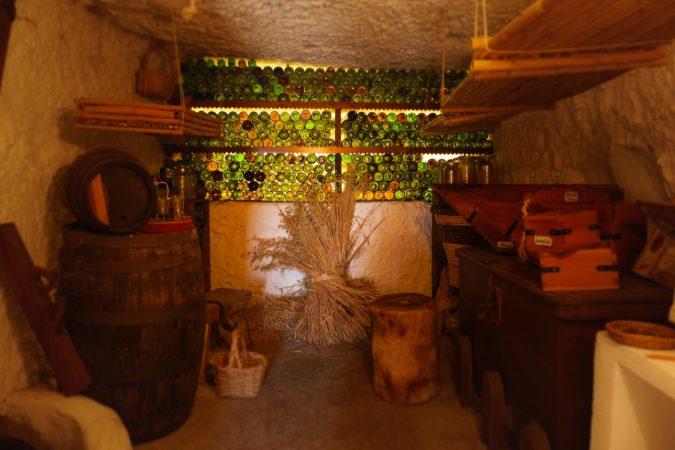 Weinkeller im Museum Casas Cuevas