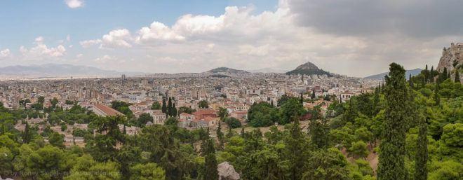 Foto: Blick auf Athen vom Marshügel auf der Akropolis