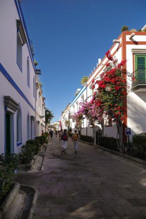 Fußgängerpassage in Puerto de Mogan