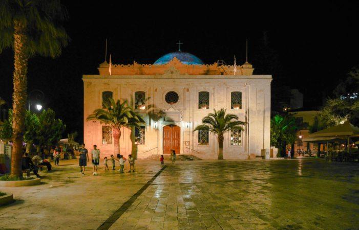 Agios Titos Kirche in Heraklion bei Nacht