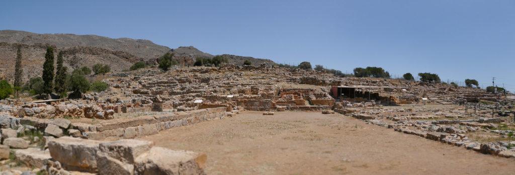 Großer Platz vor Palast in Ausgrabungsstätte in Kato Zakros