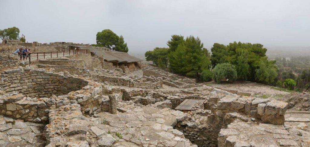 Große Steinringe bei den Ausgrabungen von Festos