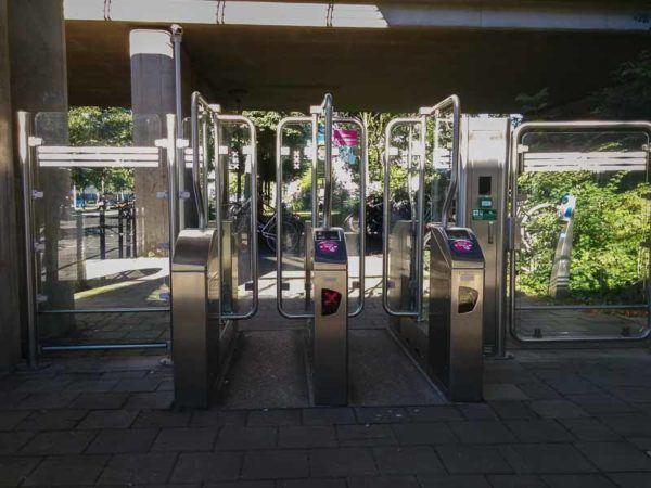 CheckIn Bereich der Metro in Amsterdam