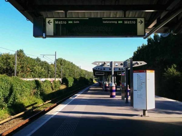 Bahnsteig der Metro in Amsterdam