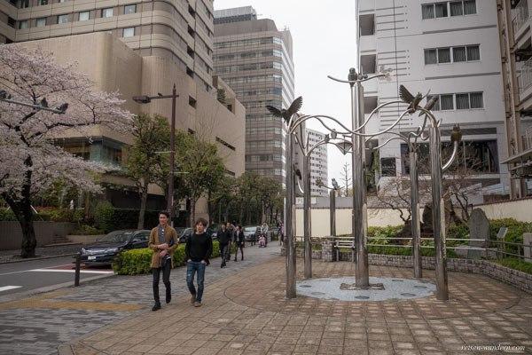 Eulenstatuen in der Nähe der Ikebukuro Station