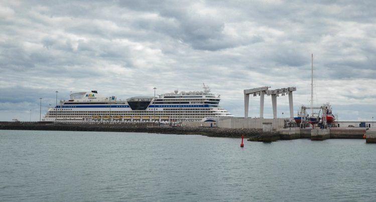 Aida Schiff im Hafen von Arrecife