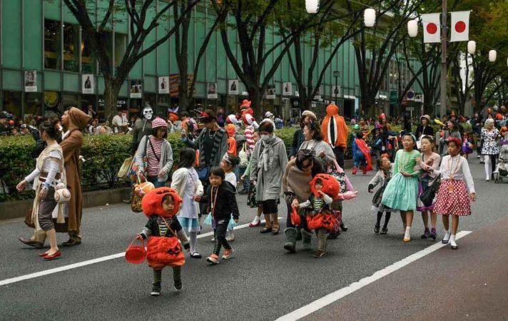 Halloweenparade auf der Omotesando Road