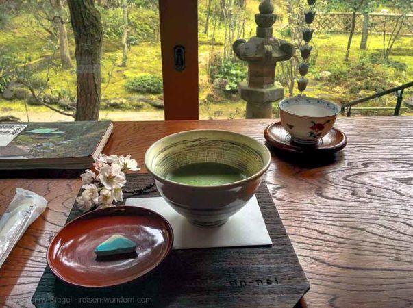Matcha Tee im Engaku-ji Tempel